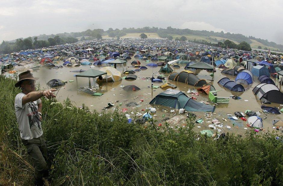 Glastonbury mud 2005