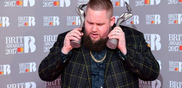 """Képtalálat a következőre: """"brit awards 2017 Rag N' Bone Man"""""""
